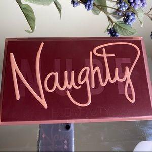 HUDA BEAUTY Naughty Nude Eye Palette